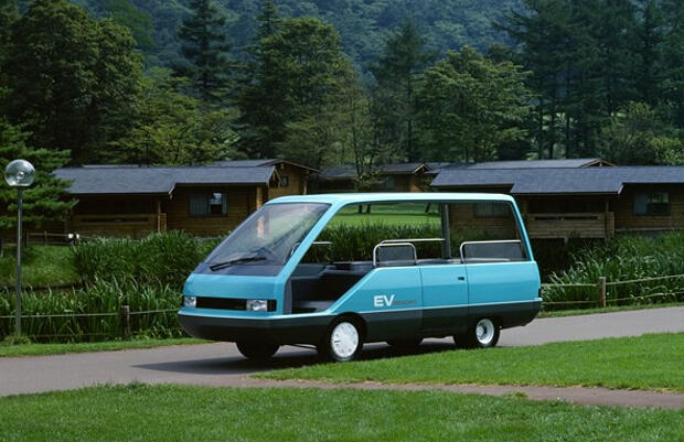 Nissan EV Resort-1985