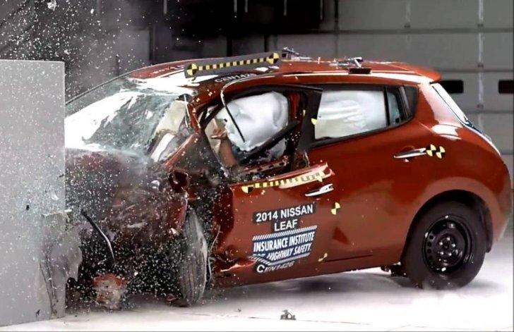 краш тест Nissan Leaf 2014-2017