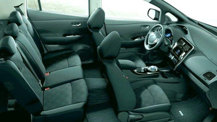 Интерьер Nissan Leaf ZE0 - 2011 - 2017