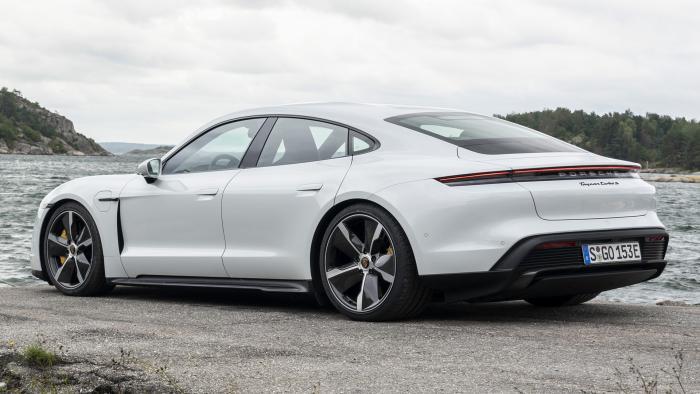 Новые электромобили Porsche будут ездить на батарейках Varta и Customcells