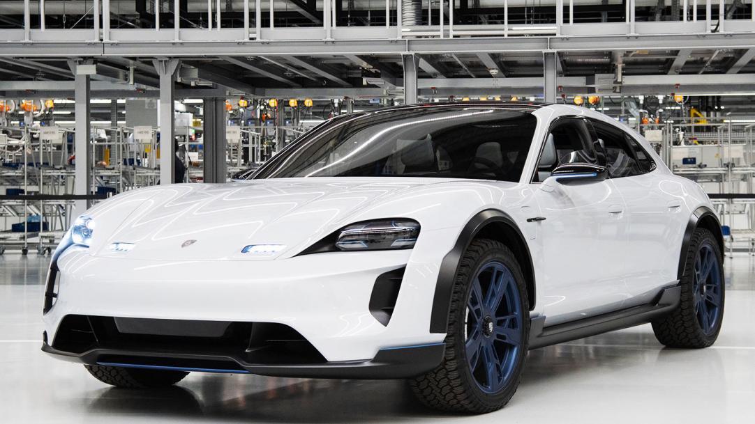Чего стоит ожидать от электромобиля Porsche Taycan Cross Turismo?